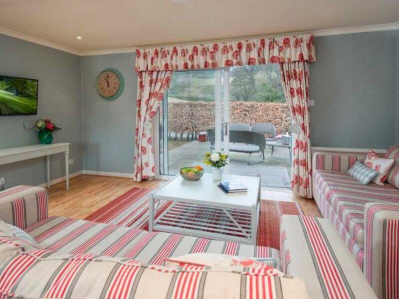 Ardean_Cottage_Cringletie_Hotel.jpg